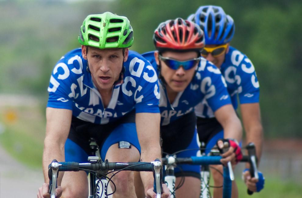 La Copa El Colchonero González de la serie de carreras del campeonato nacional de Ciclismo fue llevada a cabo el domingo 19 de setiembre, en modalidad ruta. Uno de los principales trayectos recorridos ese día comprende la ruta que une el Centro de Paraguarí con la Ciudad de Villarrica pasando por Sapucai. (Elton Núñez - Sapucai, Paraguay)