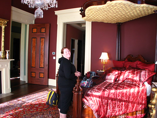 amanda in the red room in the morning