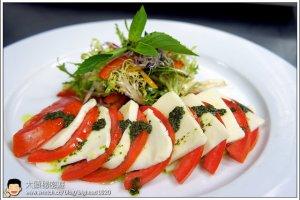 [西餐]沙拉類 義式蕃茄乳酪沙拉