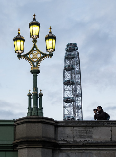 Photographing the photographer at the Westminster Bridge