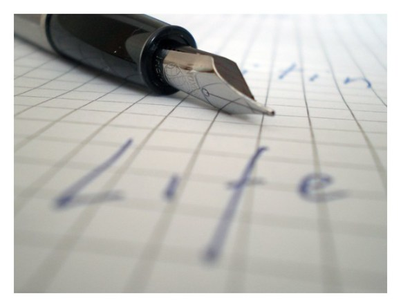 Photo:Pen and Paper By:qisur