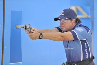 Annette Aysen - Gun Left