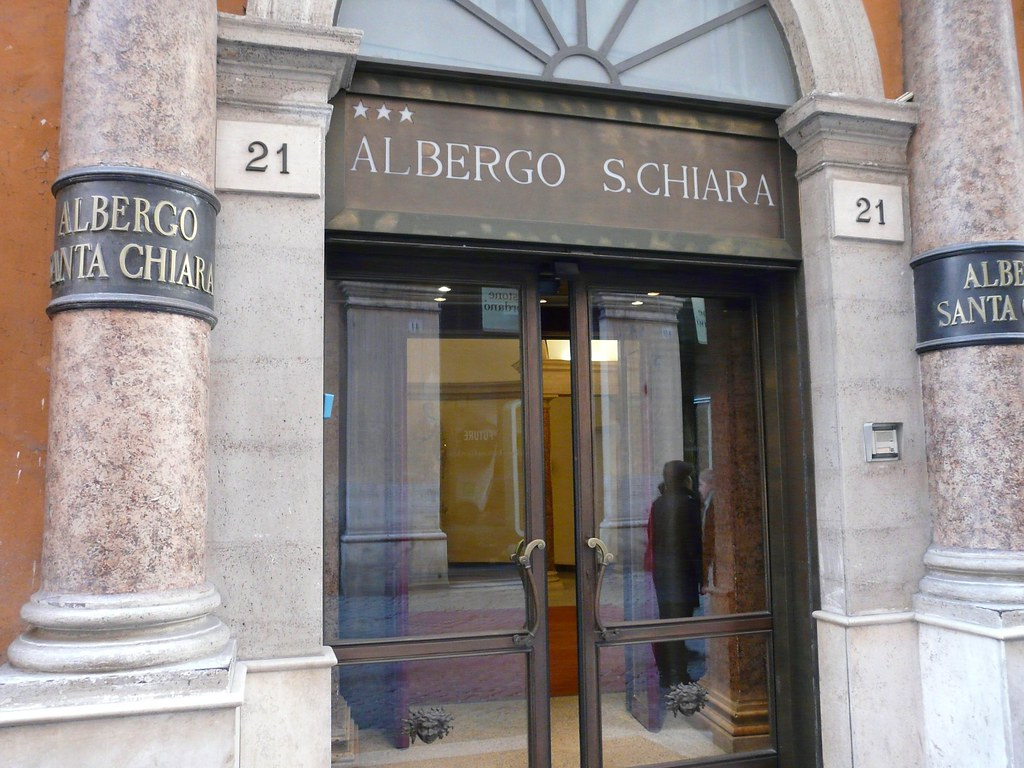 Albergo Santa Chiara Rome Albergo Santa Chiara Vicino Al Pantheon A Photo On Flickriver