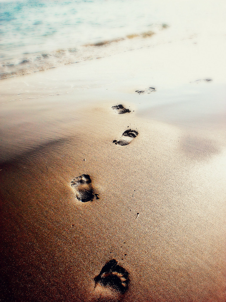 Jesus Wallpaper Hd Footprints In The Sand One Night I Dreamed I Was Walking