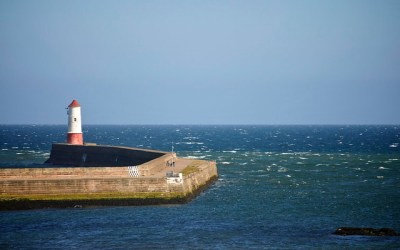 Lighthouse and Harbour Wall, Berwick upon Tweed | Flickr - Photo Sharing!