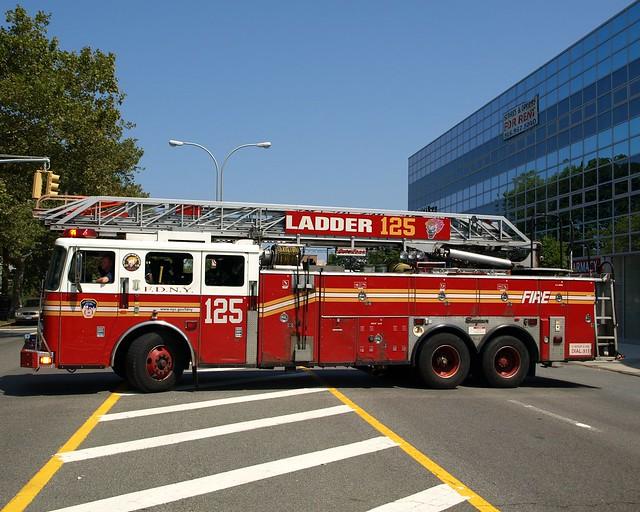 E315l Fdny Ladder 125 Hillcrest Queens New York City