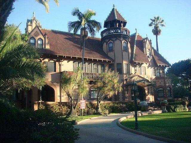 French Style Home 06o 8 Chester Pl - Doheny Mansion - Hcm-30 - Front Facade
