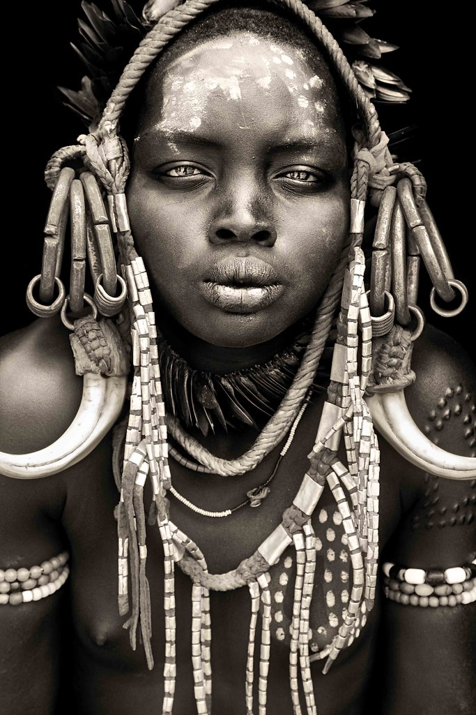 mursi girl from mago / omo valley