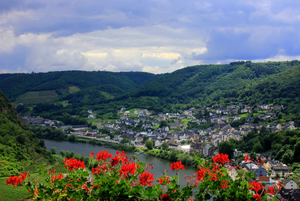 Views of Moselle river from Cochem castle