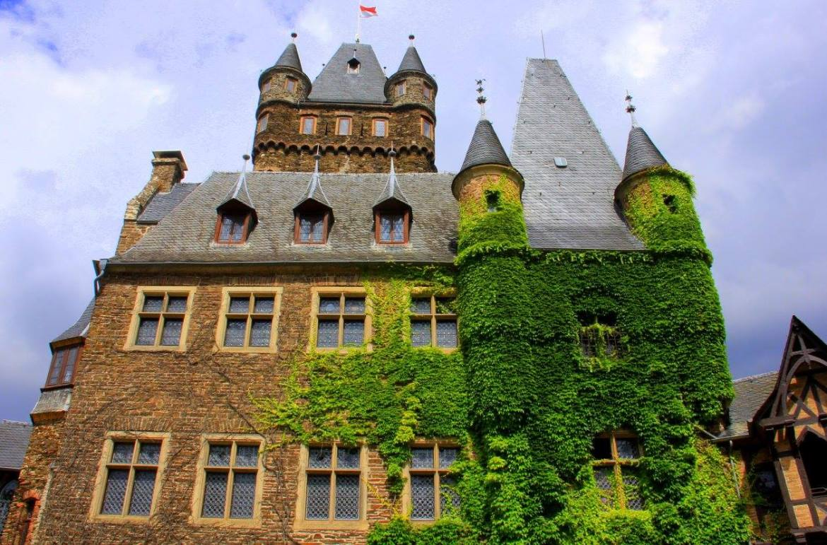 Gorgeous castle at Cochem on the Moselle Valley