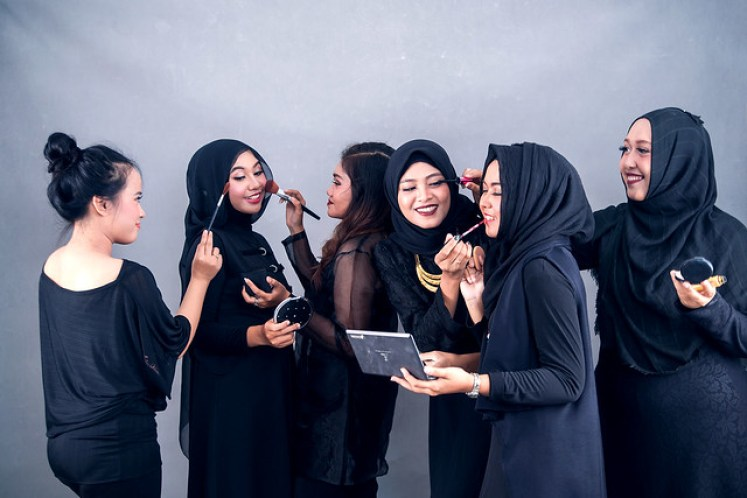 gofotovideo makeup artist / tata rias universitas negeri jakarta 0227