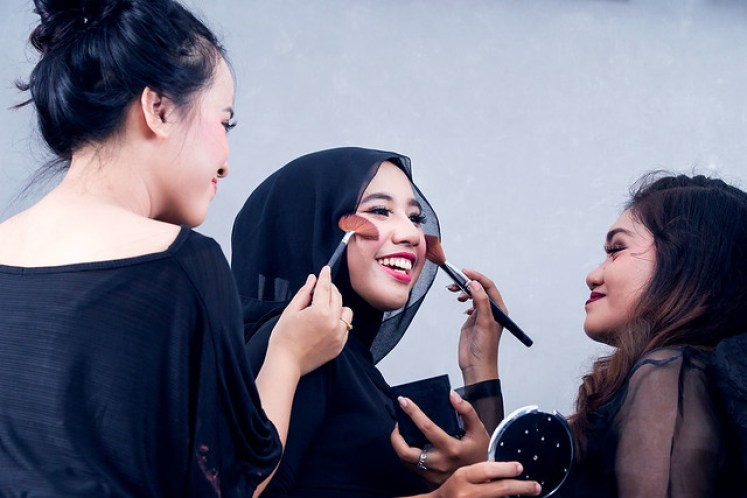 gofotovideo makeup artist / tata rias universitas negeri jakarta 0251