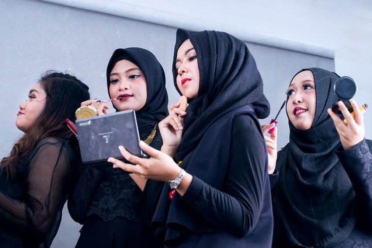 gofotovideo makeup artist / tata rias universitas negeri jakarta 0252
