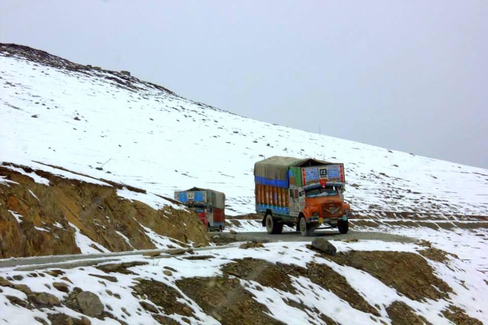 Trucks transporting potatoes from Gurez