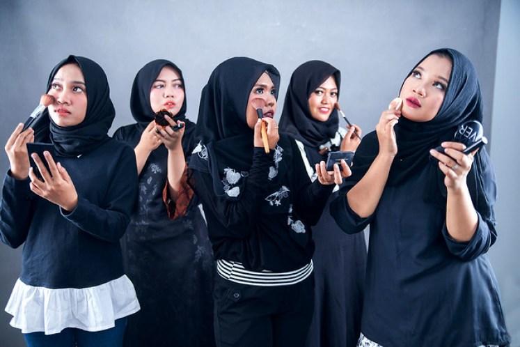 gofotovideo makeup artist / tata rias universitas negeri jakarta 0230