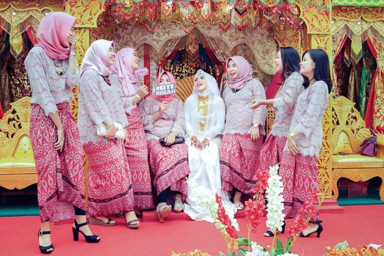 gofotovideo pernikahan adat minang di graha wredatama 139