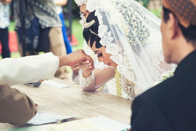 gofotovideo pernikahan outdoor adat jawa di rumah sarwono 219