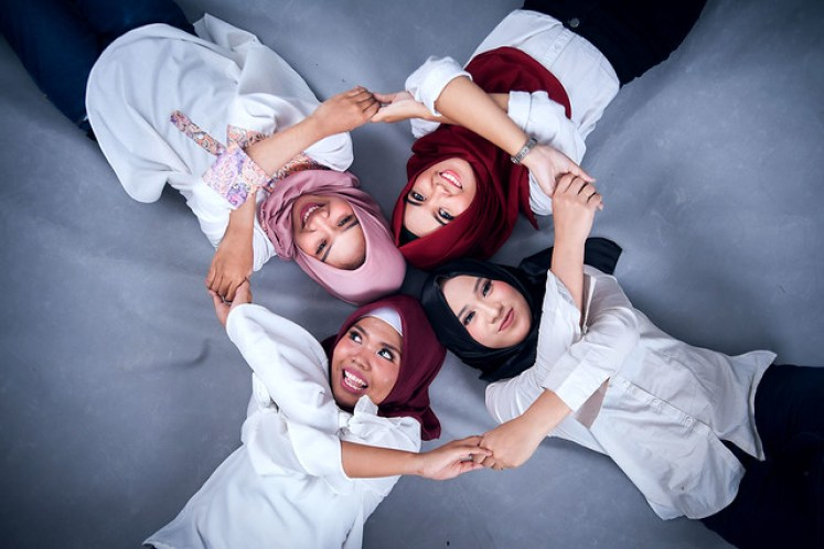 gofotovideo makeup artist / tata rias universitas negeri jakarta 0239