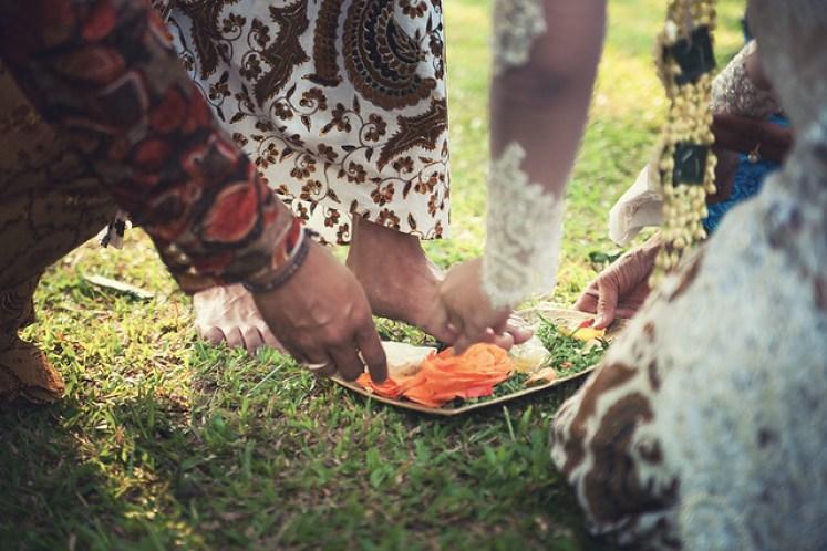 gofotovideo pernikahan outdoor adat jawa di rumah sarwono 230