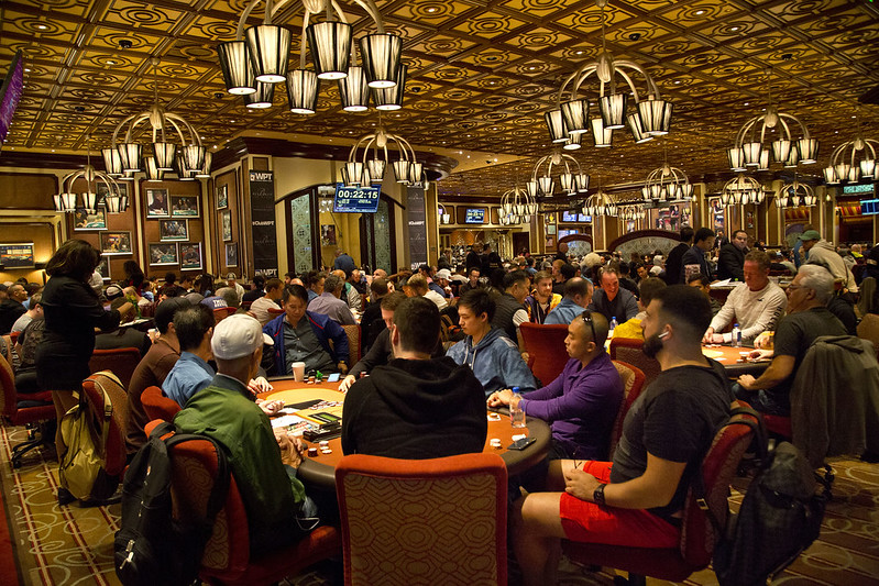 417 Players Advance from Record-Breaking Day 1 of WPT Five Diamond