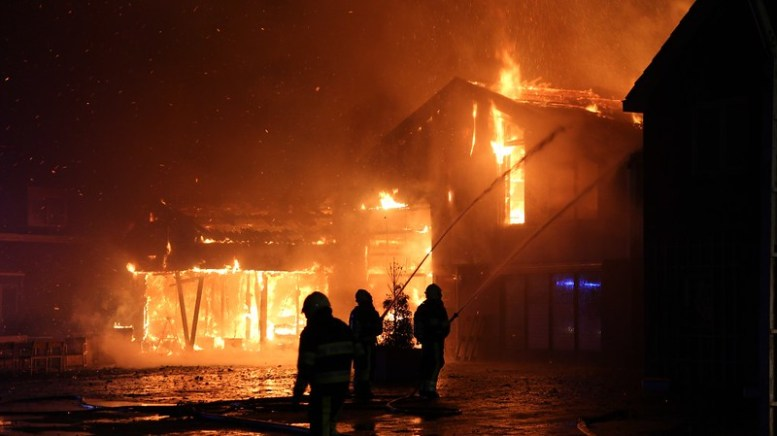 Grote brand Niawier 4