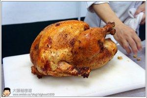 [西餐]主菜類 原汁烤全雞附煎烤馬鈴薯