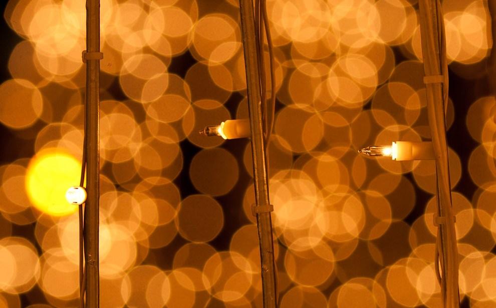 Este año vimos más luces de Navidad que antes, en las avenidas, casas, shoppings, edificios, etc. Diseños Originales y espectaculares efectos luminosos se destacaron esta vez. (Elton Núñez - Asunción, Paraguay)