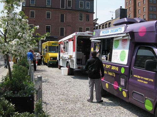 loving the tuesday food truck scene at grant's block!
