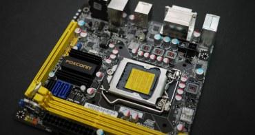 萌萌主機版 不讓你膩-Foxconn h67S ITX