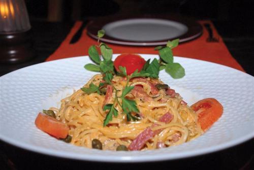 Damak tadının iddialı mekanlarından olan Alanya Ev Restaurant spagetti konusunda da oldukça iddialı