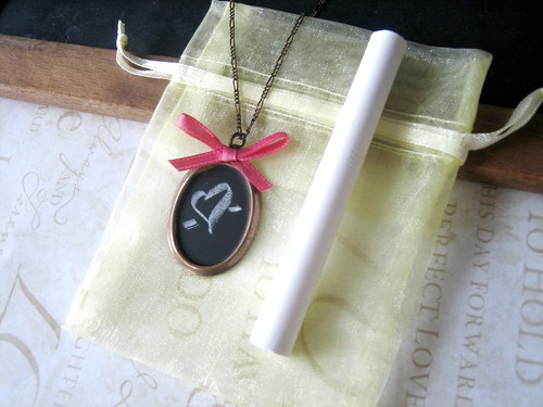 DIY chalkboard necklace