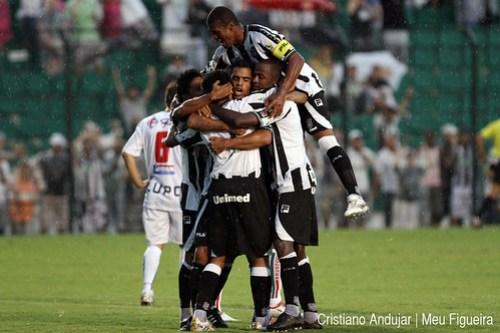 Figueirense 5 x 2 Brusque - 03 - Foto de Cristiano Andujar - Catarinense 2011 - 23012011 copy