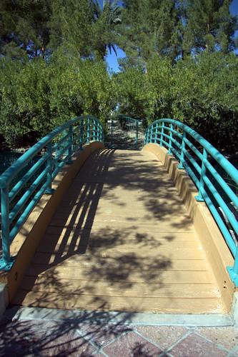 leading lines - bridge