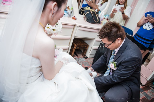peach-wedding-20150510-110