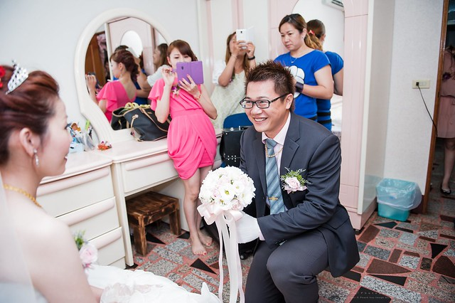 peach-wedding-20150510-101