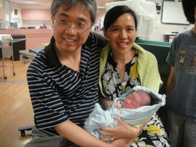 王芷蕾、艾爾頓強 都靠代理孕母添子