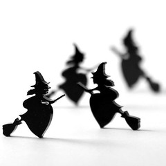 Want your own #spooky #badge for #Halloween? Why not make it yourself? http://ift.tt/2d4uDii