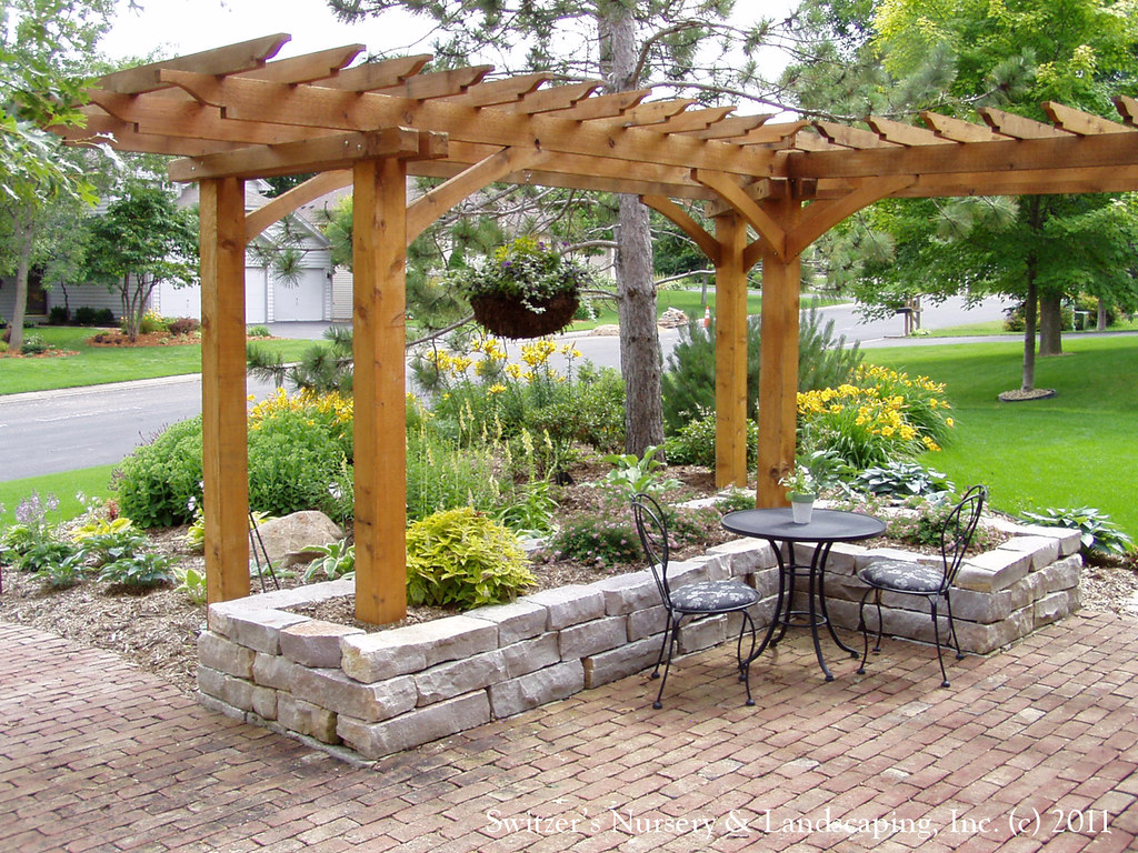 Pergola En L Front Yard Patio Entry L Shaped Pergola And Chilton Stone Flickr