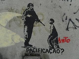 Pacificação? Stencil Grafitti