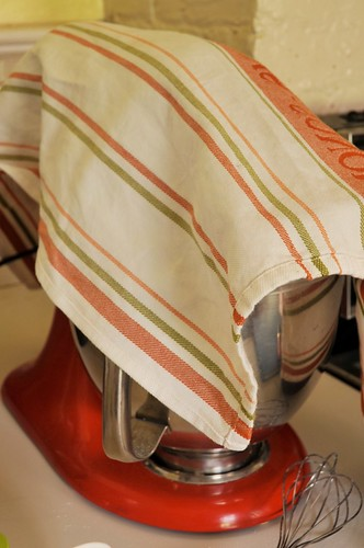 Kitchen towel flour saver