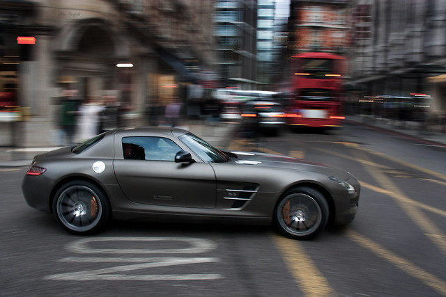 5262520263 37f9ed665f z 20 Amazing Panning Photographs