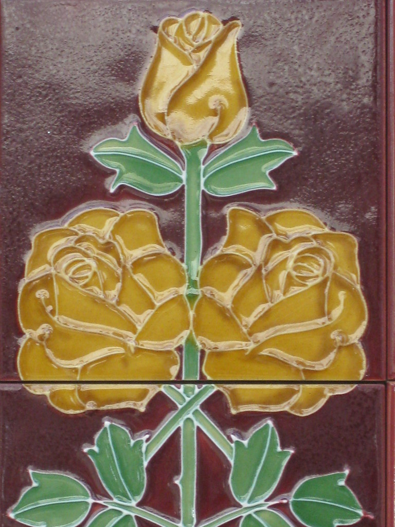 Art Nouveau Yellow Art Nouveau Shop Front Tiles Of Yellow Roses Swan Street Flickr