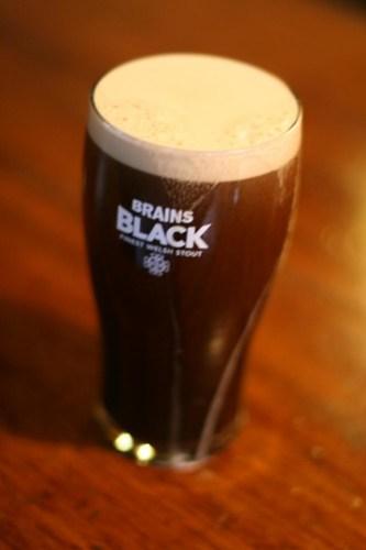 Brains Black - Welsh Stout st davids day - brains tour