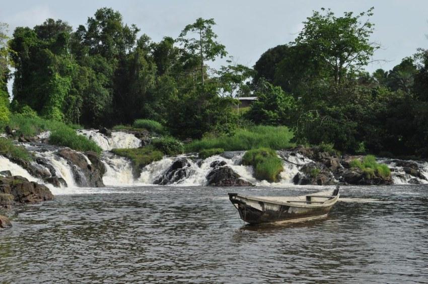 Chutes de La Lobé - Camarões. Foto da Annikainafrika1