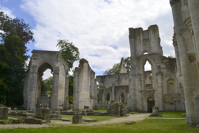 Visit Normandy _ Jumieges Abbey