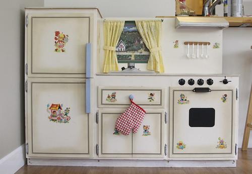 Exceptionnel Kids Vintage Play Kitchen