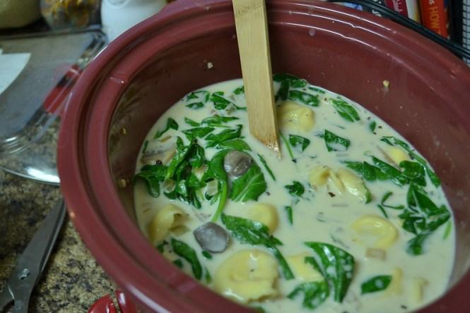 Creamy Spinach & Tortellini soup