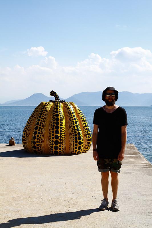 Tuukka13 - WDYWT - While at Naoshima Art Island - Vintage New Balance 991, VIntage Camo Shorts, Uniqlo OS T-Shirt and Muji Bucket Hat - 08.2013 -1
