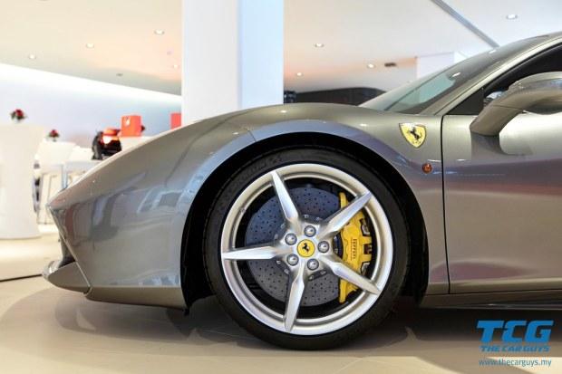 2015 Ferrari 488 GTB (8)