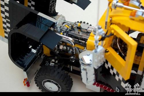 Peterbilt 379 C15 Cat engine